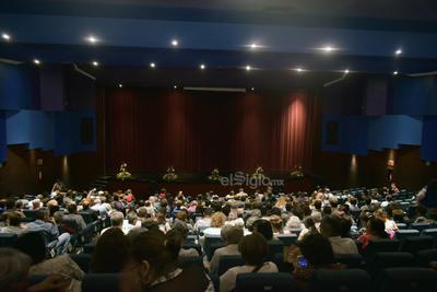 Un grupo de artistas laguneros, liderados por el gomezpalatino Pablo Lira, rindió ayer homenaje a la fallecida cantante y a la música mexicana en el Teatro Alberto M. Alvarado.