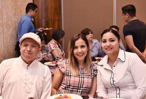 18052019 RECIENTE EVENTO.  Ángel, Jessica y Gaona.