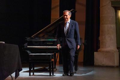 La vida y obra de Ricardo Castro representan un parte aguas de referencia obligada para comprender mejor la evolución musical del país