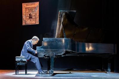 Para esta actividad se contó con la presentación especial del pianista y concertista de Bellas Artes, Héctor Rojas,