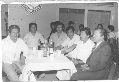 Profesores Felipe Orozco R., Gilberto Ríos M. (f), Alfredo Ramírez G. (f), Dolores Olguín H., Ernesto de la Cruz G. y Manuel Cruz C., en 1983.