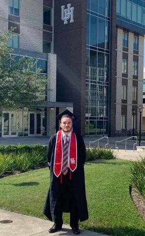 19052019 LAF Armando Navarro Pastrana en su graduación en el Fertita Center de la University of Houston.