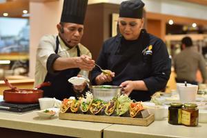 20052019 Los chefs compartieron útiles consejos con las asistentes.
