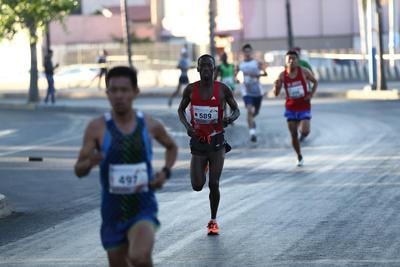 En los 5 kilómetros los primeros en llegar a la meta fueron Daniela Calderón y Wilfred Nyatogo.