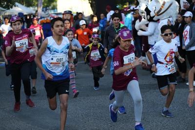 Niños también se dieron cita para correr este domingo.