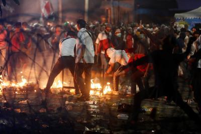 Fuertes disturbios se han registrado en Indonesia.