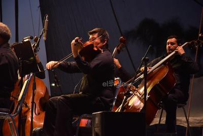 Gestada en abril de 1994 y en vísperas de su vigesimoquinto aniversario, la agrupación coahuilense deleitó al público.