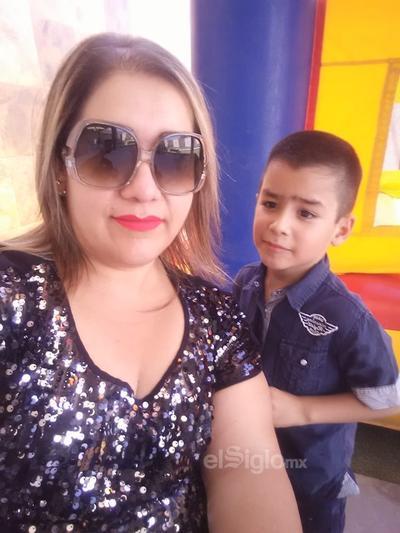 Ale Galaviz y su hijo, Francisco.