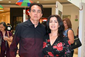 23052019 Fernando y Paty.
