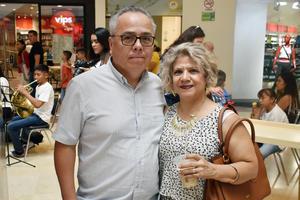23052019 Gerardo y Mely Carmen.
