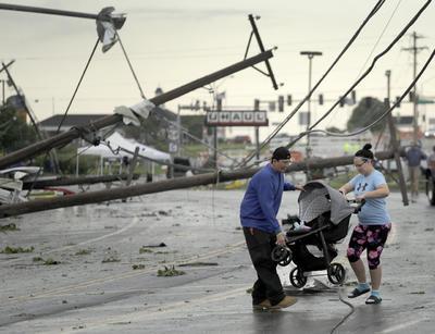 Múltiples tornados afectaron el medio oeste de Estados Unidos.