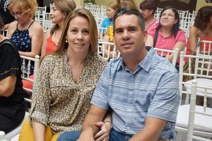 24052019 RECIENTE EVENTO.  Patricia Mitre y Francisco de Cayón.