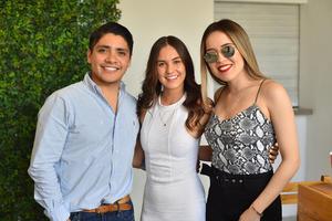 Fernando, Ana y Marysa