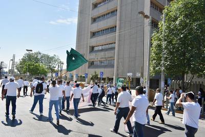 Sergio García Belmonte, secretario del Exterior del organismo sindical, informó que una enfermera atiende hasta 12 personas por turno y un médico general hasta 25 derechohabientes.