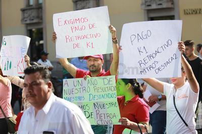 Las manifestaciones por el 1 de Mayo iniciaron desde las 8:30 horas cuando salió la primera marcha de las oficinas centrales de la CTM hacia la plaza Cuarto Centenario.