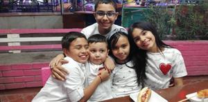 02052019 SE DIVIERTEN.  Emiliano, Paquito, Santiago, Camila y Ximena.