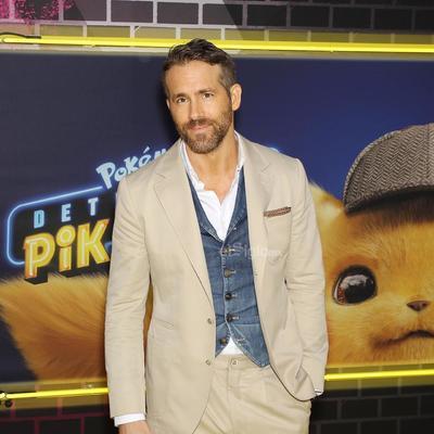 Reynolds, que pone la voz a la mascota de la franquicia Pokémon en esta cinta, es el protagonista de la misma junto con Justice Smith, quien interpreta a Tim Goodman, el hijo de 21 años de un detective desaparecido y que cuenta con la ayuda de Pikachu para encontrarlo.