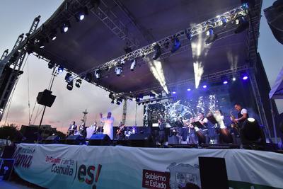El espectáculo fue organizado por el DIF estatal dentro de una gira por diversas ciudades denominada Con cierto amor, a propósito de los festejos del 10 de mayo.