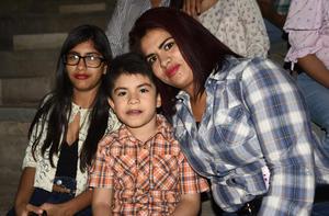04052019 María de Jesús Castro, Óscar Castañeda y Nataly Castañeda.