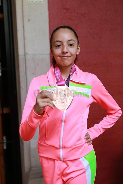 Camila Fuentes se quedó con el segundo puesto en Fitness hasta 15 años, mismo lugar que logró Aime Cordero, en hasta siete años, además de un cuarto puesto absoluto.
