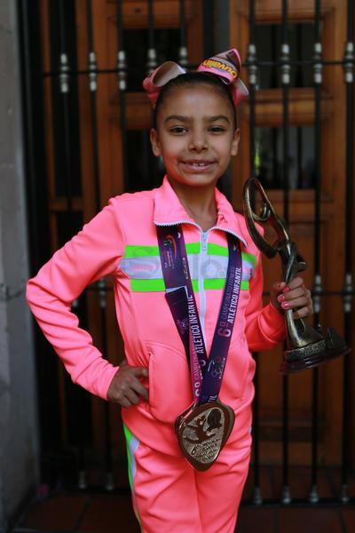 En el Mundial  estarán participando Elizabeth Herrera Palacios, en hasta 13 años; y Barbara Soto Nájera, en hasta 9 años, quienes estarán en la Selección Nacional luchando por los primeros lugares en su categoría en Grecia.