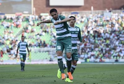Santos cierra con victoria