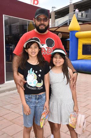 06052019 Natalia, Frida y Emerson.
