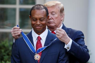 Por su parte, Woods agradeció a Trump la entrega de la medalla y aseguró que ha sido una experiencia increíble el recibir esta distinción, que consideró un honor que reconoce toda su carrera profesional.