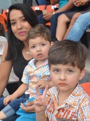 07052019 Cristina, Dylan y Sebastián.