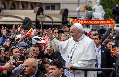 Es la primera vez que un pontífice visita este país.