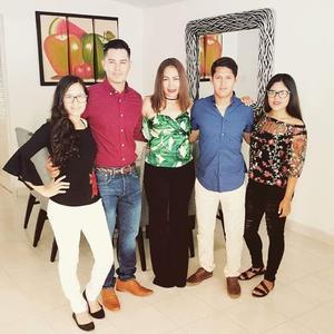 10052019 FELIZ DíA.  Linda con Valeria, Eduardo, José Juan y Fernanda.
