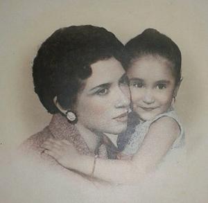 10052019 SRA. DOñA IRMA RAMíREZ LUJáN (+) MADRE SÓLO HAY UNA.  Muy querida mami gracias por habernos dado la vida, mis hermanos y yo, cómo cada día te recordamos con mucho amor, agradecimiento y admiración. Siempre estás en nuestra mente y corazón. Irma Garza Ramírez.