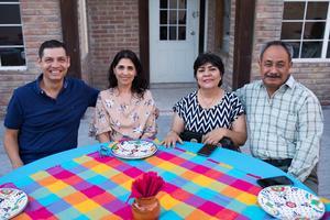 Ricardo Salinas, Sonia Sánchez, Lupita Hernández y Víctor Arévalo.jpeg