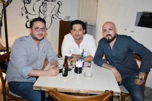 Emilio, Eduardo y Adrián