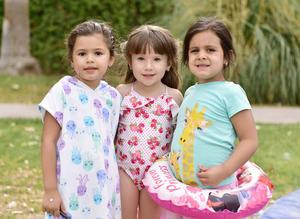 María René, Camila y María Emilia