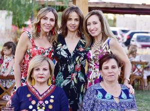 Scarlett, Lorena, Pily, Maty y Cristina