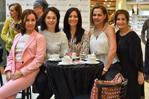 Anabel, Marisa, Jessica, Ángeles y Vero