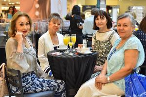 Magaly, Marissa, Laura y María