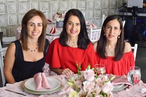 Eva, Pily y Gaby