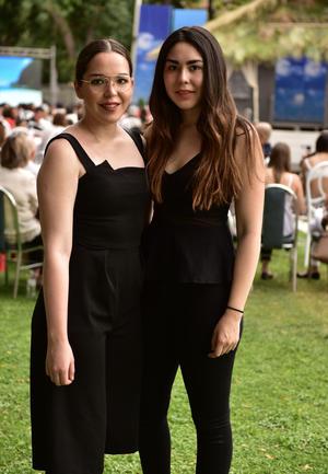 Mónica y Marina
