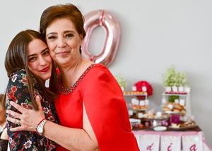 Con su sobrina, Jessica Ceniceros