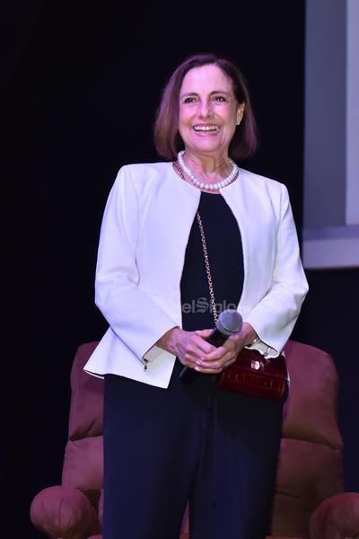 Bracho presentó la película El secreto de Romelia en el Teatro Centauro.