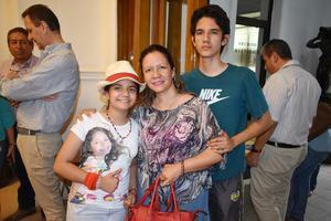 11052019 Natalia, Gaby y Emmanuel.