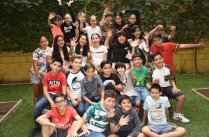 13052019 DISFRUTAN SU NIñEZ.  Grupo de sexto grado del Colegio San Luis.
