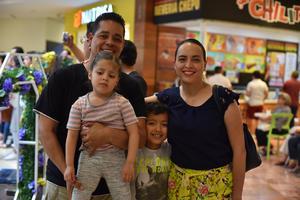14052019 Carlos, Isis, Alexa y Fernando.