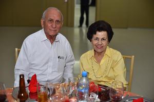 14052019 EN PAREJA.  Raymundo y María Rosa.