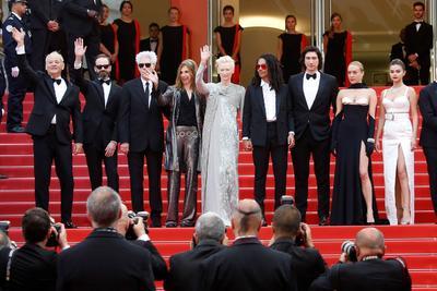 La rueda de prensa del filme The Dead Don't Die, de Jim Jarmusch, se convirtió hoy en Cannes en una plataforma para las bromas de Bill Murray, la preocupación de Selena Gómez por el abuso de las redes sociales y el discurso feminista de Tilda Swinton.