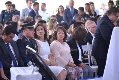 También acudieron autoridades de otros municipios de La Laguna, representantes de cámaras empresariales y sociedad civil y medios de comunicación, entre otros.