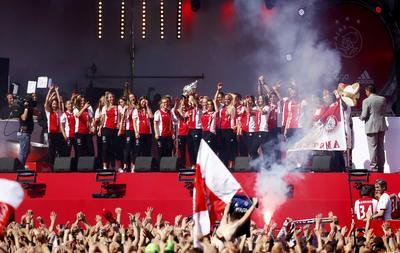 Seguidores y jugadores del club celebraron su campeonato.
