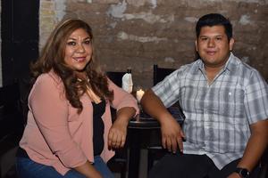 17052019 Rosario y Karen.